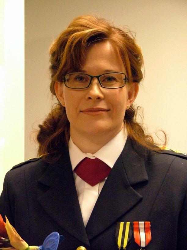 Piia Vähäsalo nimitettiin ensimmäisenä naisena Suomessa pelastusjohtajaksi vuonna 2003.