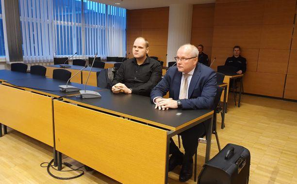 Markus Pönkä talousrikosvyyhdin käsittelyssä Helsingin käräjäoikeudessa tänä aamuna.