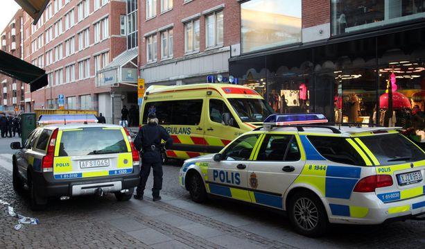 Storgatanilla Malmössä oli 2010 tilanne, jossa aseistettu mies piti 2-vuotiasta lasta panttivankina. Lapsi onnistuttiin vapauttamaan, eikä hän haavoittunut.