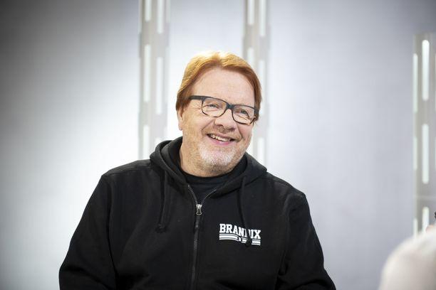 Heikki Silvennoinen viihtyy Kangasalla maaseudun rauhassa.