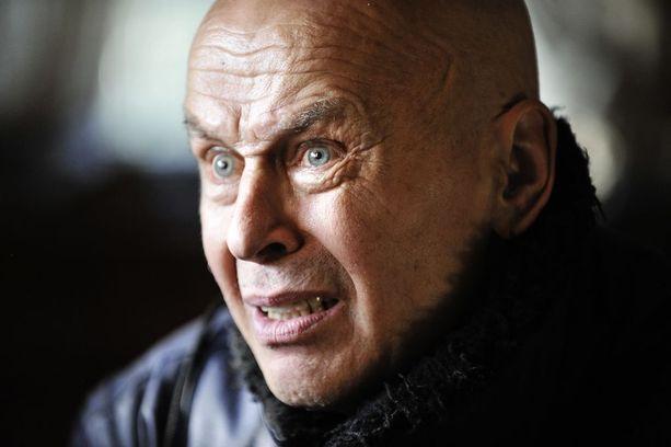 Jouko Turkka kuvattuna kotonaa Pirkkalassa vuonna 2010. Turkka menehtyi kesällä 2016.