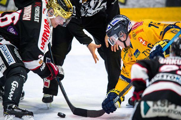 Ykkössentterit Jarkko Immonen ja Arttu Ilomäki punnittiin Raumalla, ja Ilomäki otti erävoiton.