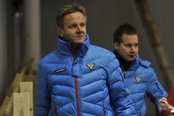 Harri Ahola jätti valmentamisen ja ryhtyi kehittämään erotuomaritoimintaa.