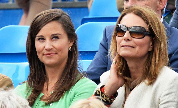 Pippa (vas.) ja Carole