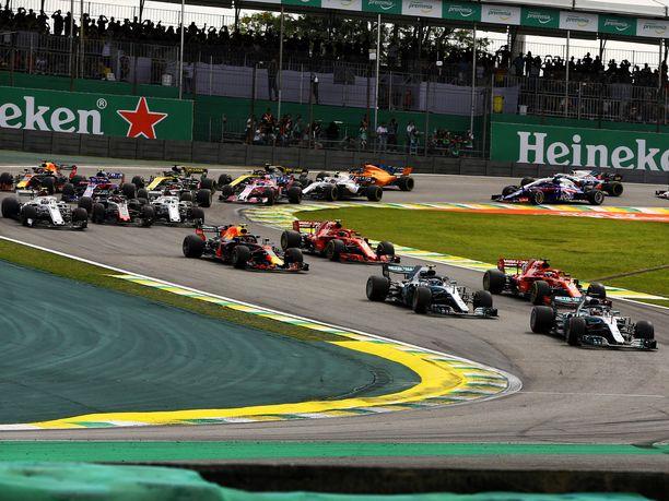 Interlagosin radan s-kirjaimen mallinen ensimmäinen mutkayhdistelmä on tuttu kaikille F1-seuraajille. Mikäli Brasilian presidentin suunnitelmat käyvät toteen, radalla ajetaan enää vain yksi F1-osakilpailu.
