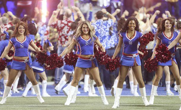Buffalo Billsin cheerleaderit tienaavat vain muruja, mutta vaatimukset ovat kovat.