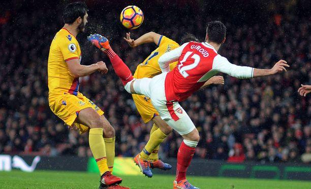Olivier Giroud taituroi Vuoden maalin viime tammikuussa Crystal Palacea vastaan.