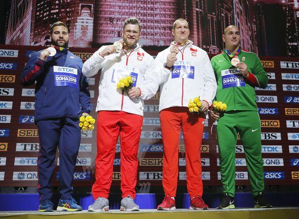 Miesten moukarin MM-mitalinelikko vasemmalta Quentin Bigot, mestari Pawel Fajdek, Wojciech Nowicki ja Bence Halasz.