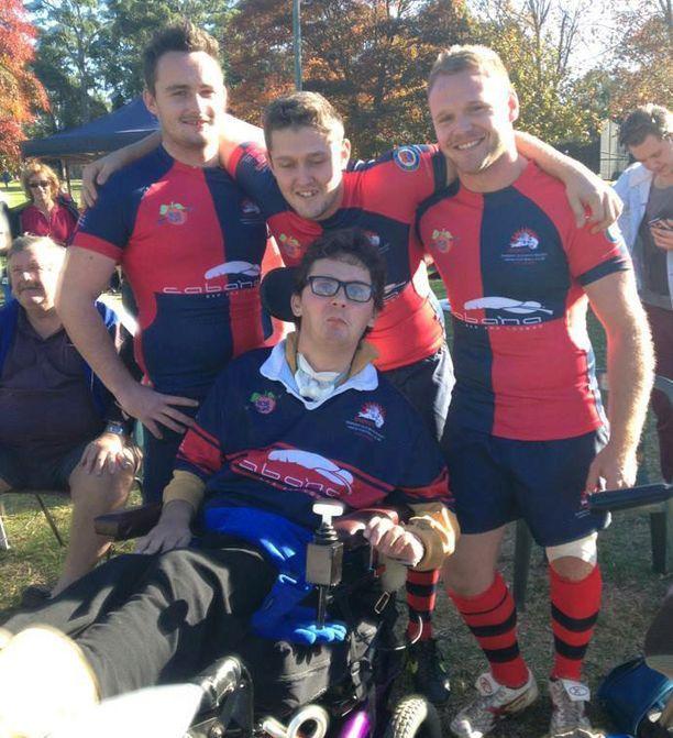 Sam oli itsekin lupaava rugbyn pelaaja ennen sairastumistaan.