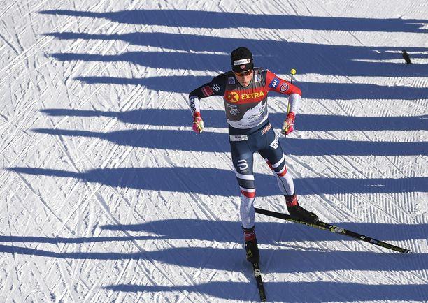 Johannes Klaebo voitti Oberstdorfissa.