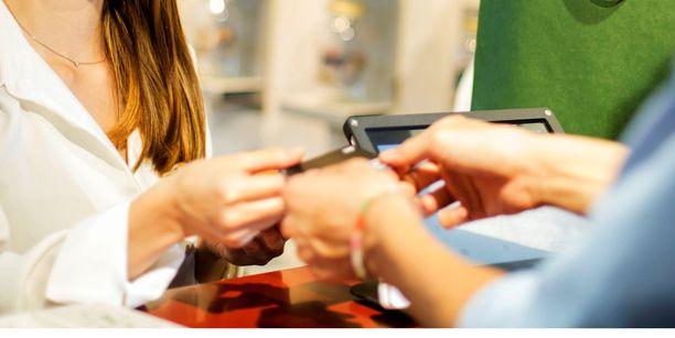 Joka viides yritys on havainnut Suomessakin luottokortteihin tai matkalaskuihin liittyviä petoksia.