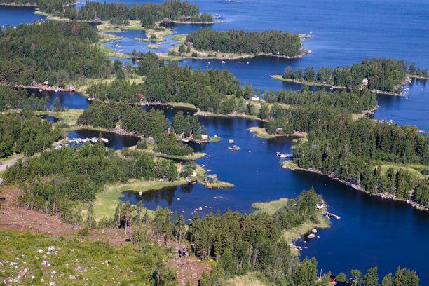Merenkurkun saaristo muuttuu koko ajan maankohoamisen vuoksi.