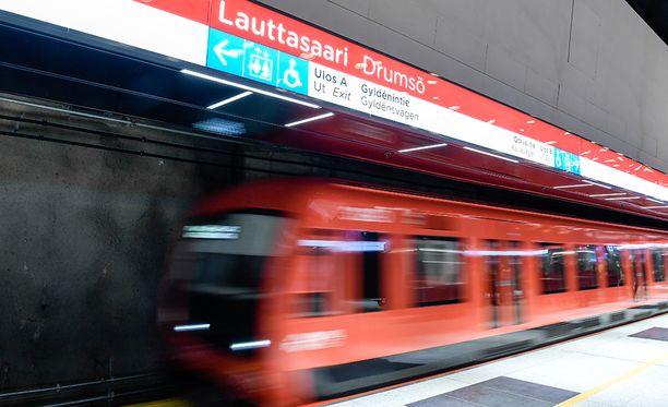 Metron luotettavuutta parantava aikataulumuutos astuu voimaan maanantaina.
