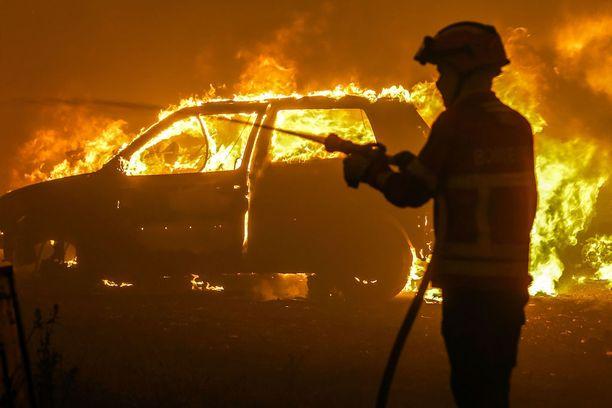 Tulipalot ovat vaatineet Portugalissa useita kymmeniä kuolonuhreja.