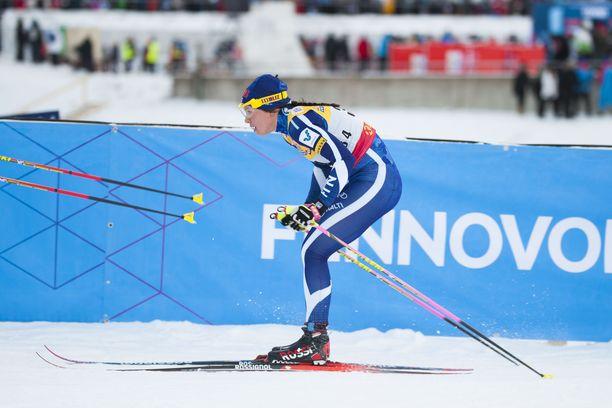 Suomalainen hävisi sunnuntaina Therese Johaugille liki kaksi ja puoli minuuttia.