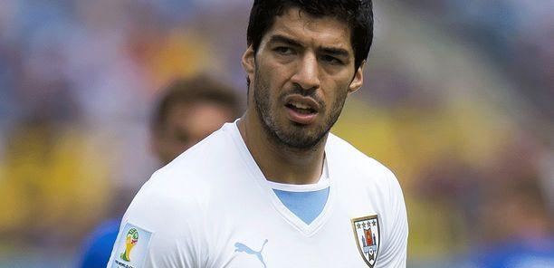 Luis Suárezia uhkaa pitkä panna.