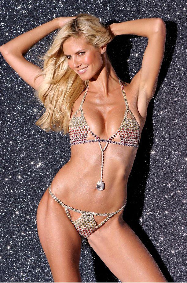 Heidi Klumilla on upea bikinivartalo.