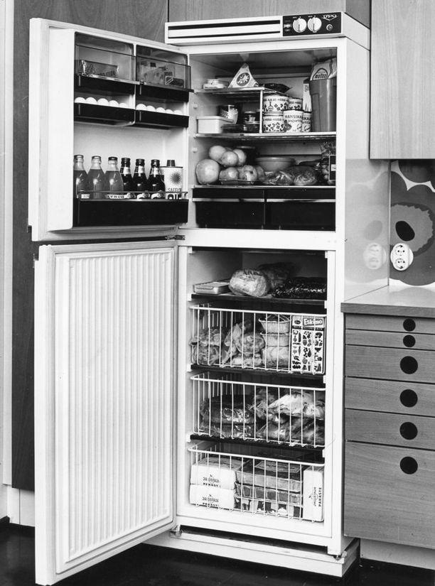 Upo-merkkinen jääkaappipakastin 1960-luvulta.