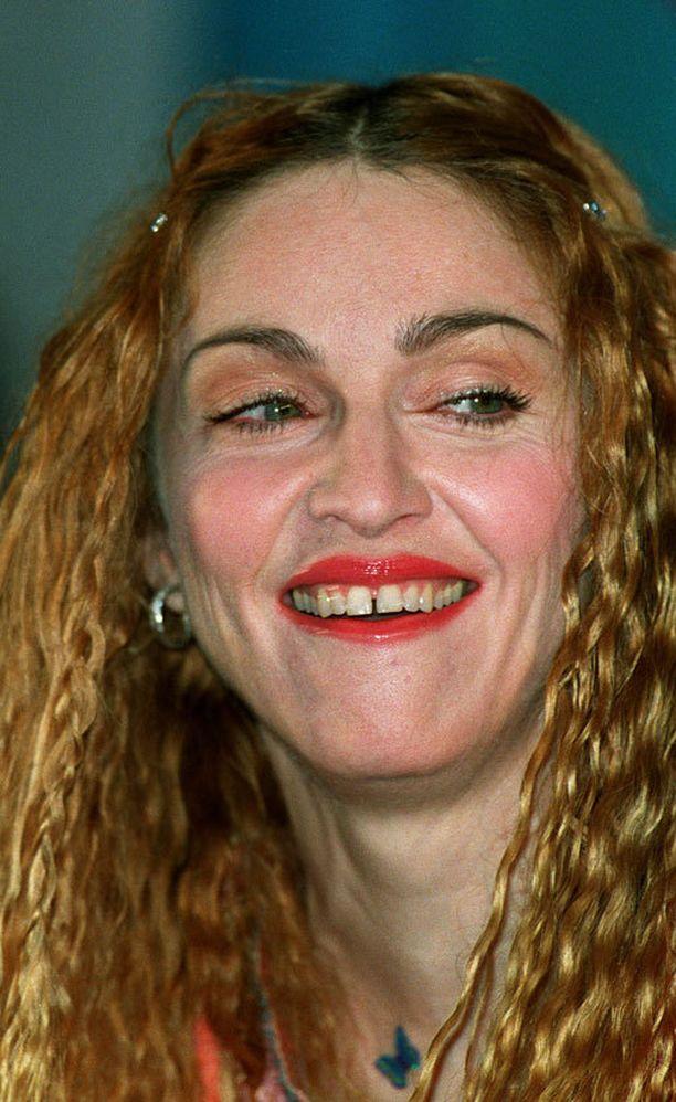 Madonna luonnollisena vuonna 1998...