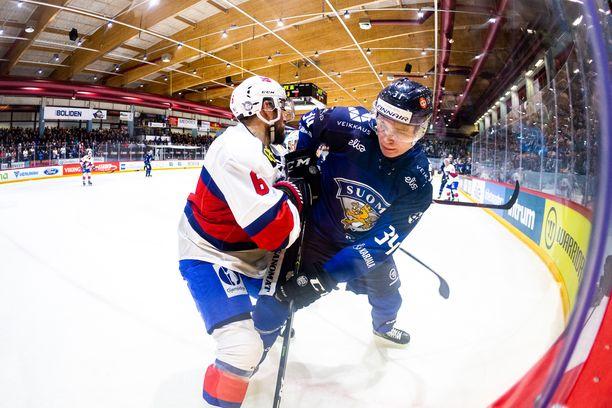 Kaapo Kakko väänsi Norjaa vastaan Kokkolassa pelatussa ottelussa viime viikon perjantaina.