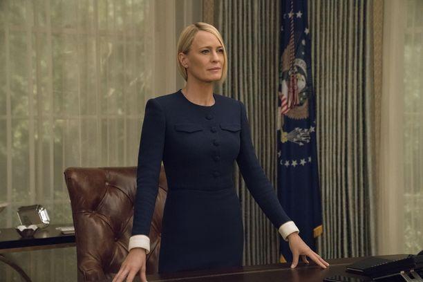 Clairella ei ole aikomustakaan kunnioittaa edesmenneen miehensä solmimia sopimuksia.