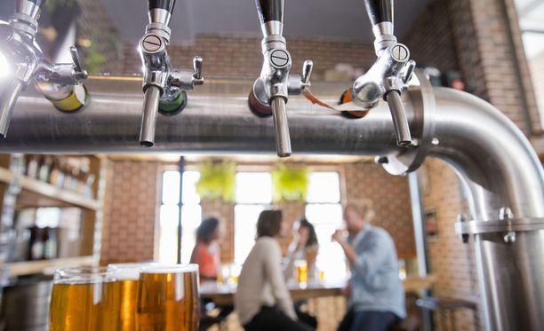 Matkailu- ja Ravintolapalvelut MaRan mukaan hallituksen eduskunnalle antama lakiesitys ei paranna ravintoloiden kilpailukykyä muihin alkoholin jakelukanaviin nähden.
