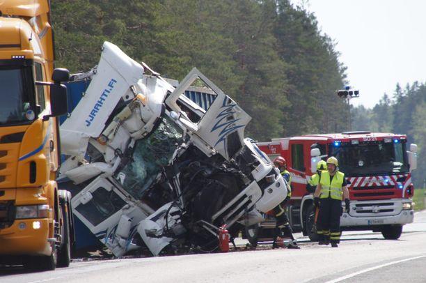 Ilmoitus onnettomuudesta tuli hieman kymmenen jälkeen maanantaiaamuna.