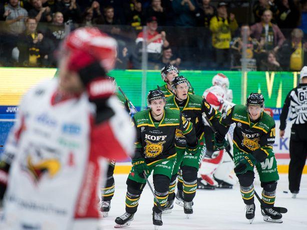 Vaasan Sportin pelaajilla on ollut perjantaina Tampereella jatkuva palohälytys omalla puolustusalueella.