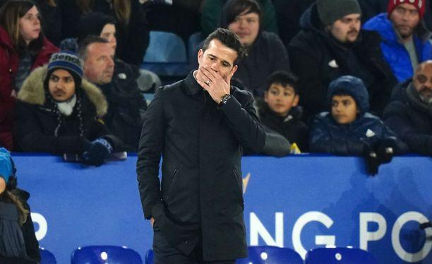 Evertonia luotsaavan Marco Silvan asema horjuu.