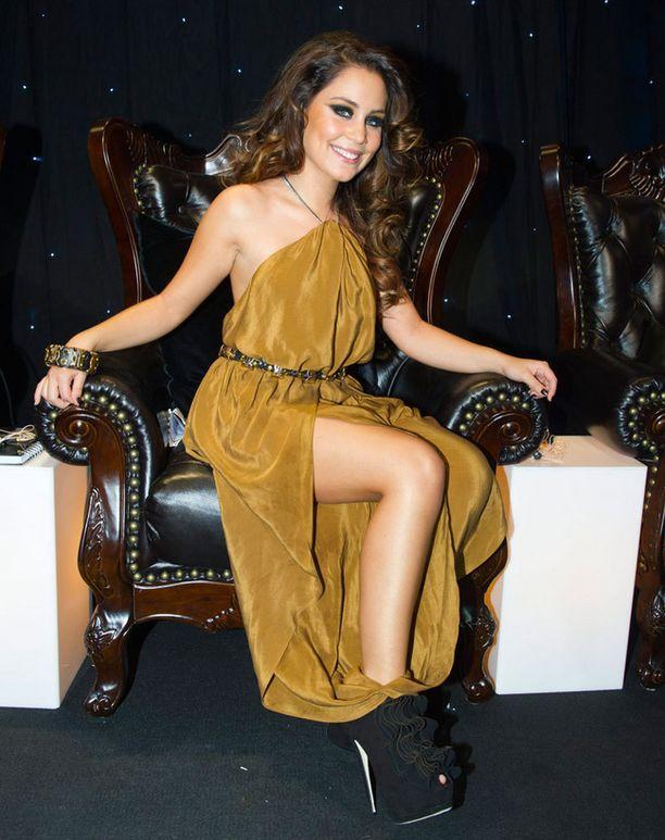 Tanssituomarina vuonna 2011 toimineen Anna Abreun upeat asut olivat usein tapetilla.