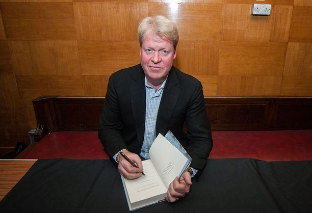 Charles Spencer, Spencerin 9. jaarli, on tunnettu historioitsija. Mieheltä on ilmestynyt lukuisia teoksia.
