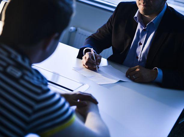 Monen työnhakijan kohdalla rekrytointiprosessi voi tyssätä jo siinä kohtaa työhakemusta, jossa lukee tämän nimi.