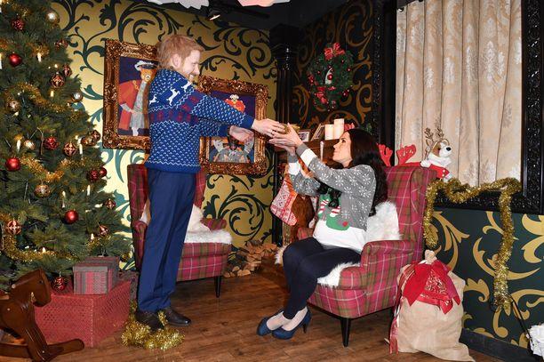 Vahakabinetissa jäljiteltiin kuninkaallisten joulunviettoa.