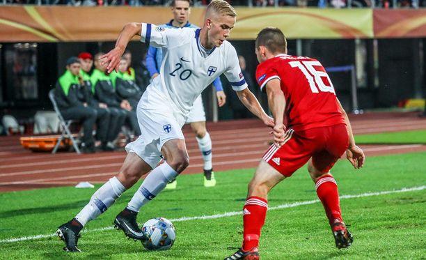 Jasse Tuominen haastoi pirteästi Unkaria vastaan.