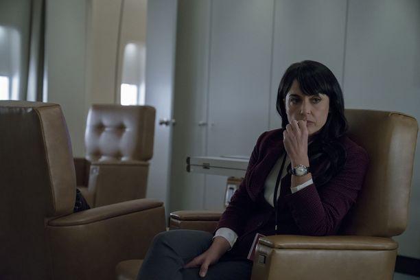 Uusien kasvojen lisäksi mukaan saadaan myös vanhoja tuttuja, jotka tekevät nyt paluun. Yksi heistä on Constance Zimmerin näyttelemä Janine Skorksy.