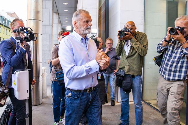 Eirik Jensen saapuu tuomionlukuun Oslossa 19.6.2020.