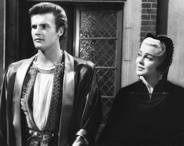 Nuori Roger Moore vuonna 1956 yhdessä näyttelijä Lana Turnerin kanssa.