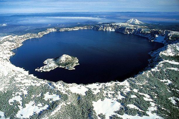 Kraatterijärvi on Yhdysvaltain syvin.
