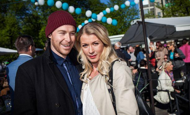 Monika ja Darren avioituivat Suomessa heinäkuussa.