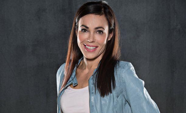 Susanne Päivärinta toimii Sensuroimaton Päivärinta -ohjelman haastattelijana.