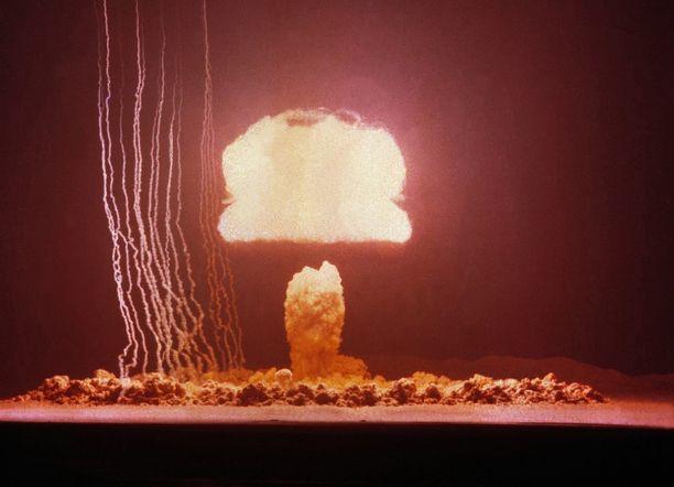 Operaatio Tumbler-Snapperissa räjäytettiin kahdeksan pommia. Yksi niistä jäi ensi yrityksellä suutariksi.