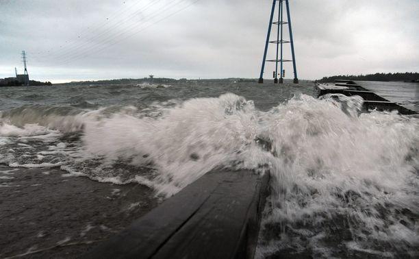 Meteorologi povaa viikonlopuksi syysmyrskyä