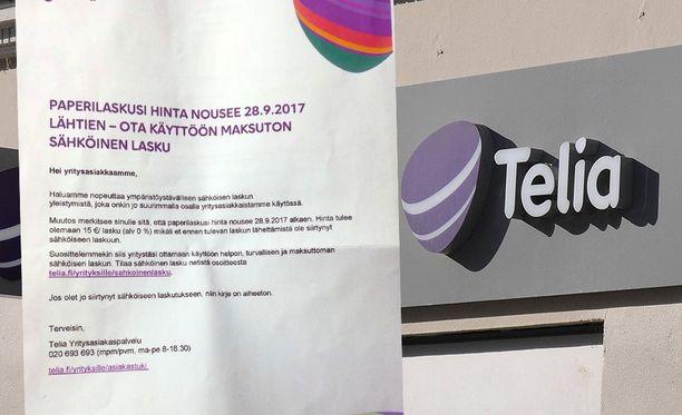 Telia nosti yritysasiakkaiden paperilaskun hintaa 15 euroon.