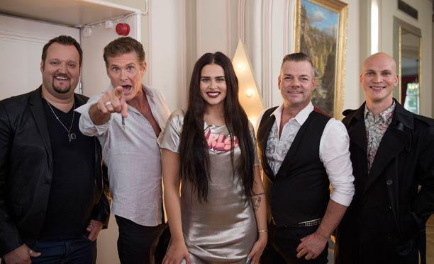 Talent Suomea tuomaroivat Hedbergin lisäksi David Hasselhoff, Sara Forsberg, Jari Sillanpää ja Riku Nieminen.