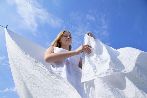 Noin kolmasosa vuorokaudesta kuluu sängyssä, joten petivaatteiden puhtauteen kannattaa panostaa.
