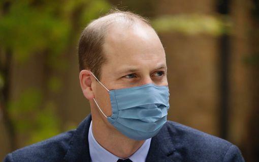 Prinssi William suhtautuu nyrpeästi The Crown -sarjaan – ystävät pitävät tuoretta kautta hänelle liian kivuliaana