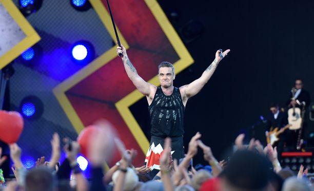 Robbie Williams hurmasi 30000-päisen yleisön.