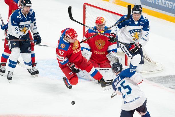 Suomi laukoi 28 kertaa, mutta maaliin asti kiekko ei mennyt. Ilja Sorokin piti nollapelin.