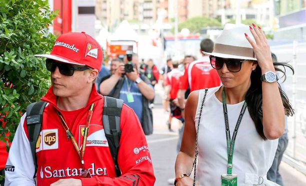 Kimi Räikkönen ja Minttu Virtanen menivät naimisiin elokuun alussa. Pariskunta solmi avioehdon hyvissä ajoin ennen hääjuhlia.