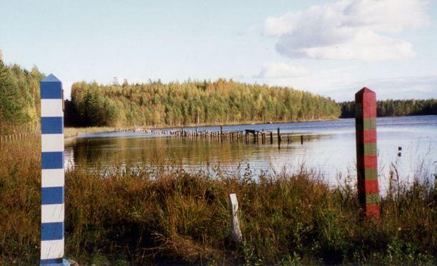 Kuvassa Suomen ja Venäjän välinen rajavyöhyke Nuijamaalla. Sillekin on voinut tulla muutamia metrejä lisää mittaa.